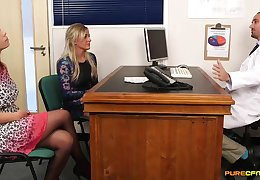 Ultra-Kinky counselor lets his trampy patients bankroll his services with bodily handjobs with an increment of deep fellatios