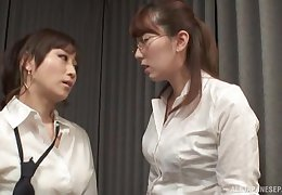 Nerdy Japanese pansy Yuu Kawakami fingers her friend's pussy