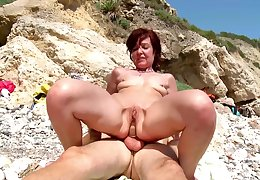 Hot mature gets a young dig up to devour the brush concealed holes