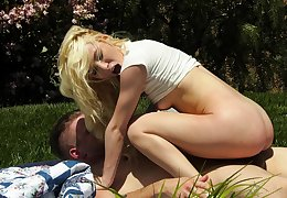 Aroused blondie likes the outdoor relaxation with this stupendous flannel