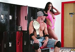 Wild bonking in the gym with cum in mouth for tanned Kendra Lust